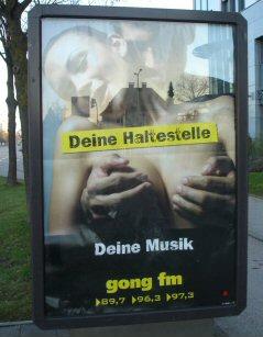 Haltestellen-Werbung Regensburg Gong