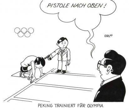 Peking trainiert für Olympia - Pistole nach oben